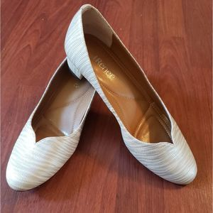 J Renee Pearl Color Shoes